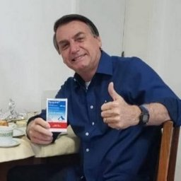 Virou a casaca: Bolsonaro apaga do Instagram todas as fotos com cloroquina